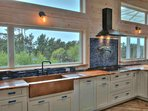 Have you ever seen a more lovely kitchen, with such an enchanting view?