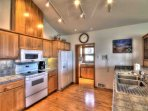 Spacious kitchen, clean and well equipped..