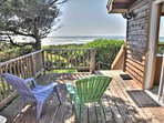 Very private home with a lovely ocean view deck, an ideal spot for relaxation.