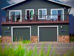 The Whole Chinook, a stylish duplex in the heart of Yachats.