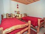 Bear Room - 2 Twin Beds