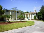 The large circular drive with plenty of parking.Dolphin Cove Villa by Florida Sun Vacation Rentals