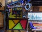 Rústico bar hecho a mano de maderas nobles