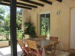 terrasse 20m² avec barbecue en pierre
