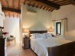 En suite Air Conditioned Queen Bedroom with Jacuzzi