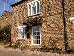 Quiet 200 year old cottage in North Oxfordshire village