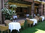 Terraza del restaurante Echaurren, con estrella Michelín
