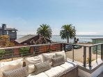 'Endless Summer' 4BR w/ Ocean View - Walk to Beach, Near Redwood State Park
