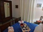 Bedroom 'Re Luca' blu cielo calda atmosfera per un sonno sereno ed un grintoso risveglio