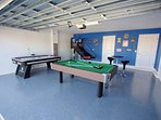 Garage Game Room w/Billiards Table, Air Hockey, Basketball Game & High Top Table w/Two Chairs