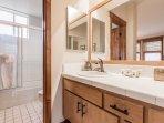 En-suite Full Master Bathroom -Shower and Tub
