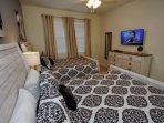 Upstairs Double Queen Bedroom Suite - Two Queen Beds (Sleeps 4), En-Suite Bath & Flat Screen TV w/Cable - View #2