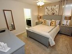 Beautiful Upstairs Queen Bedroom w/Jack N Jill Bath & Flat Screen TV