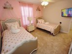 Charming Upstairs Twin Room w/Flat Screen TV & Cable - Fit for a Princess!
