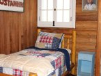 Log Twin Bedroom (2 twin beds)