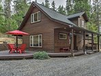 Elevate your Oregon escape at this peaceful Grants Pass vacation rental house!