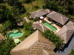 Baan Thamarchat, 2 tropical villas for 20 + guests, unique listing at Ko Phangan
