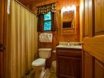 Oakridge Cabin Bathroom