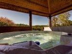 Big Sky Lodge Hot Tub