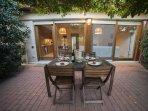 'al fresco ' dining