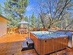Big Bear Cabin w/Private Deck+Hot Tub near Resorts