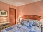 Wake up feeling refreshed after sleeping in this comfortable queen bed.