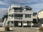 Beach Home- 4 BR 3.5 Baths 2 Living Rooms 2 Master Bedrroms Pristine and Large