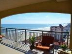Gorgeous ocean views, private balcony