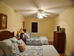Guest bedroom, 2 queen beds