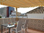 toldo covers terrace for shade