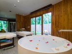 4 Bedroom Villa Residences - Perfect bath in the spa