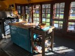 Sun-drenched, newly renovated cook's kitchen with Garland stove & high-end cookware/bakeware