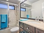 Wash the sand off your feet in the home's shower/tub combo before heading to bed.