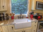 You will love cooking in this fully equipped kitchen.