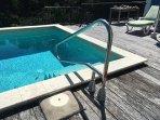 Pool hand rail