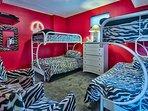 Bunk Room Sleeps 6!!