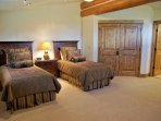 Bedroom 4 has 2 Twin beds and a private bathroom
