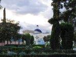 El Museo de Bellas Artes visto desde Jardines de Viveros