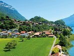 Goldswil is situated along the Aare and the Brienzersee.