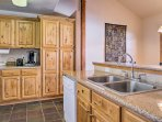 Making meals for your loved ones will be a breeze in this fully equipped kitchen!