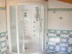 Two bathrooms with hydromassage shower sorrento house accomodation rentals with pool, relax garden