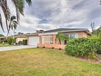 This modern bungalow boasts all the comforts of home for ultimate relaxation on your Florida holiday!