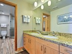 Easily get ready with your loved one using the ample counter space.