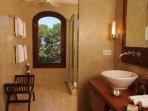 3922_aa1_cottage_bathroom_bbbjrs_0