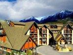 Grande Rockies Resort Exterior Day