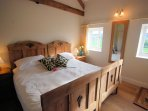Zip-and-link king size bedroom which can be made into a twin upon request