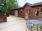 CHARLIE'S LODGE detached lodge on Whitecross Bay, en-suite, open plan, on-site f