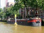 Great Houseboat Holiday Apartment in centre of Rotterdam