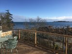CHARMING BEACH HOUSE, steps from sandy beach, cute, charming, quiet, relaxing