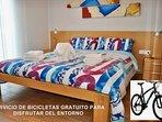 Detalle de la habitación doble con cama de 150x200..